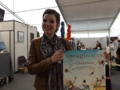 Hélène Larbaigt qui ma dédicacée l'affiche qu'elle a réaliser pour les Imaginales de cette année - 29/05/2016 - Photo prise par @Bookscritics - *